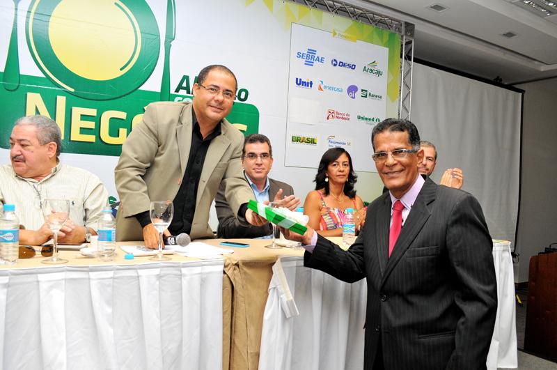 SindSeg BA/SE/TO realiza palestra sobre Seguro Empresarial para Associação Comercial de Sergipe